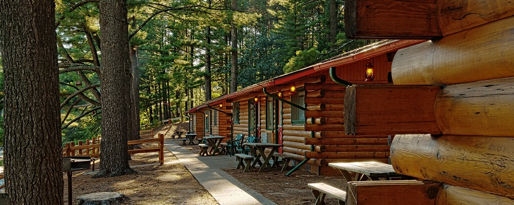 Log Cabins At Meadowbrook Resort & Dells Packages In Wisconsin Dells